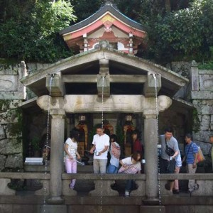 otowa-waterfall_japanesquest