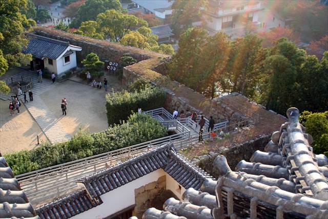 Japanesquest| Himeji castle maze of walls