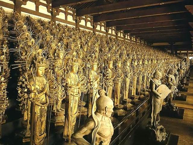 A Thousand Kannon Statues at Sanjusangendo | Japanesquest